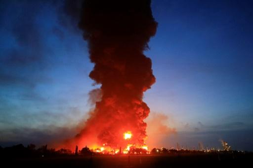 feu raffinerie