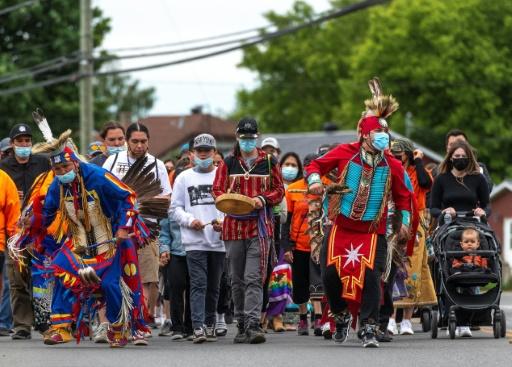 canada pensionnats catholiques peuple autochtones