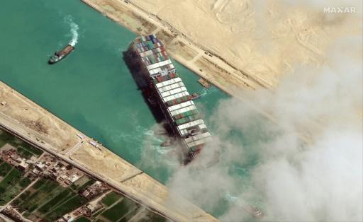 egypte canal de suez bateau géant