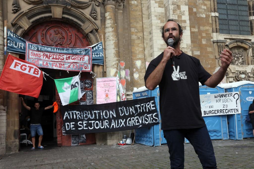 cédric herrou interview gréviste bruxelles