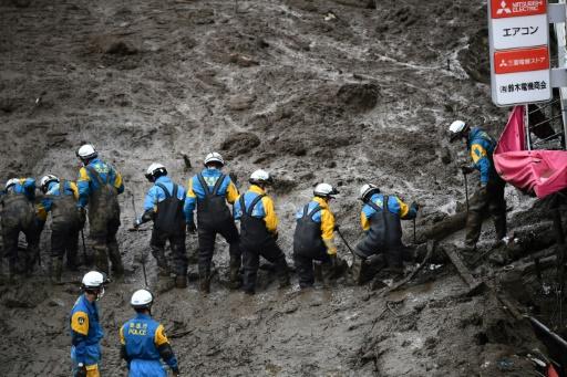 sauveteurs coulée de boue Japon