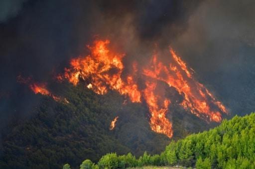 grèce incendies olympie eubée pompiers