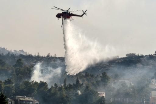 incendies athènes villages évacués