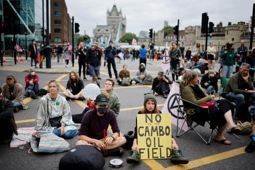 tower bridge bloqué militants écologistes londres